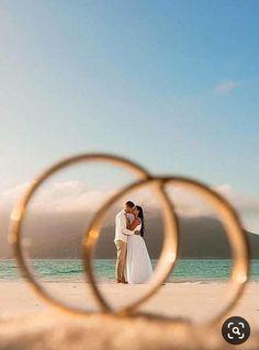 Night Wedding Photos, Wedding Picture Poses, Funny Wedding Photos, Romantic Wedding Photos, Wedding Couple Poses, Pre Wedding Photoshoot, Wedding Photography Poses, Wedding Photography Inspiration, Wedding Couples