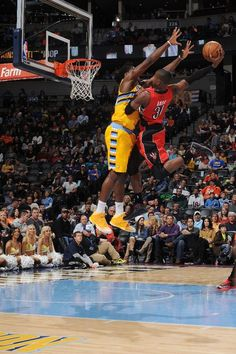Terrence Ross dunk on the manimal