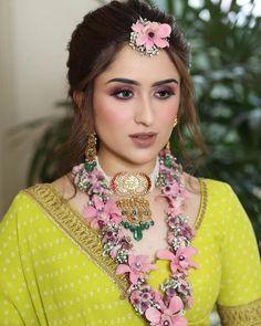 Pearl Necklace Designs, Wedding Vendors, Bridal Jewelry, Dream Wedding, Jewels, Indian Weddings, Bride, Makeup, Floral