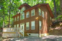 Dances With Bears - Perfect for a family vacation to the Smokies! 2 bedroom cabin that sleeps 6! Click the pin to see more!