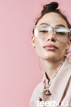 Makeup Tips for Girls with Glasses and Freckles | Teen Vogue