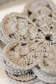 Linen crochet. Gotta do it.