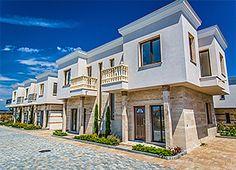Majestic sea village е жилищен комплекс от затворен тип. Селището има уникално местоположение, осигуряващо комбинация от прекрасна панорама, здравословен климат и ежедневни удобства за обитаване. Комплексът се намира само на 15 км. от центъра на Бургас и 3 км. от Поморие.