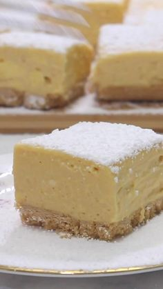 This adults-only no-bake custard slice is spiked with Baileys Irish Cream for a decadent dessert we just can't resist! Custard Recipes, Baking Recipes, Cake Recipes, Custard Desserts, Baked Custard Recipe, Baking Ideas, Bread Recipes, Thanksgiving Desserts Easy, Easy Desserts