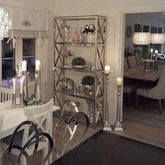#Repost @jenngunor  Ny glamhylle på plass Fortsatt fin kveld og god natt når den tid kommer #interior123#inspire_me_home_decor #dream_interiors #glam #interiorinspiration #interiordesign #passion4interior #classyinteriors #interiorharmoni #instahome #decorations #hem_inspiration #mystyle #finehjem #interiors#the_real_house_of_ig #wonderfulrooms #thestyleluxe #pretty_home #classicliving #shabbyyhomes #charminghomes #interior125#instahome #inspohome#georgjensen #interior4you1 #interior4all