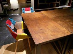 Vrolijke stoeltjes aan de leestafel 11-11-15