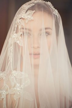 Magda Veil – Jannie Baltzer Couture Headpieces 2015 Collection. www.theweddingnotebook.com