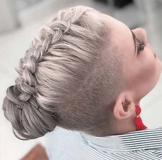 What's the latest trend in hair? Undercuts, of course! Whether it's simple designs or intricate works of art, the undercut is making its mark among the millennials. Shaved Side Hairstyles, Undercut Hairstyles, Cool Hairstyles, Edgy Short Hair, Short Hair Cuts, Pixie Cuts, Undercut Long Hair, Undercut Pixie, How To Style Undercut