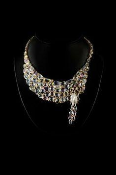 Šperky Emporio Armani nájdete na   http://www.1010.sk/kategoria/armani/sperky-armani/