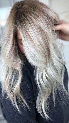 48 Beautiful Platinum Blonde Balayages for Summer 2019 Platinum Blonde Balayage Dyeing platinum blonde balayage as dynamic as trends on clothing. Each year stylists come up with something new. Of course . Platinum Blonde Hair Source by latesthaircolor Balayage Blonde Platine, Platinum Blonde Balayage, Hair Color Balayage, Cool Blonde Balayage, Platinum Highlights, Ashy Blonde Balayage, Platinum Blonde Highlights, Platinum Blonde Hair Color, Blonde Hair Looks