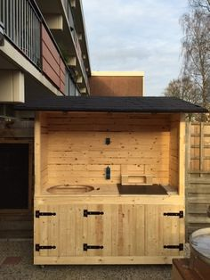 Backyard bbq shed 37 New ideas Outdoor Kitchen Countertops, Outdoor Kitchen Bars, Backyard Kitchen, Outdoor Kitchen Design, Cheap Pergola, Pergola Patio, Backyard Patio, Pergola Kits, Pergola Ideas