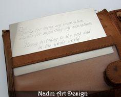 Gravierte Brieftasche-Karte. Geschenk für Mann von NadinArtDesign auf DaWanda.com