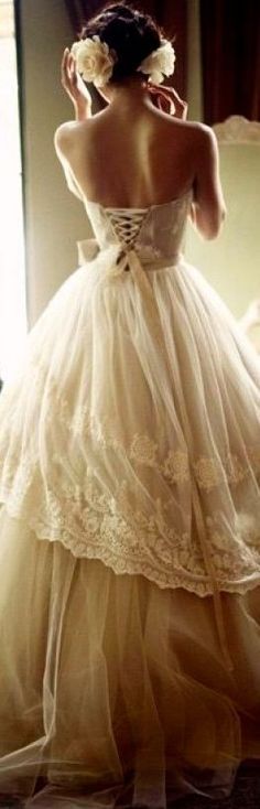 classically elegant. What more can a bride ask for......