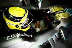 Nico Rosberg in the cockpit (Barcelona, 03-03-2013)