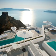 Grace Santorini Hotel is located in Imerovigli, Santorini, 300 meters above the caldera. Grace Santorini is a luxury boutique hotel with stylish rooms & suites. Imerovigli Santorini, Santorini Hotels, Santorini Island, Mykonos, Santorini Honeymoon, Places Around The World, Oh The Places You'll Go, Places To Travel, Places To Visit