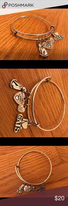 Silver cat dangle bracelet Cute cat dangle bracelet Rustic silver Never worn Jewelry Bracelets
