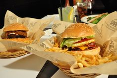 Athens Restaurants, Burgers, Greece, February, Southern, Doors, Places, Ethnic Recipes, Gourmet