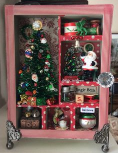 Christmas Shadow Box Christmas Makes, Noel Christmas, Victorian Christmas, All Things Christmas, Vintage Christmas, Christmas Ornaments, Christmas Paper Crafts, Christmas Projects, Holiday Crafts