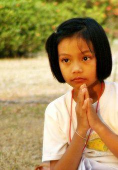 File:00000 Thailand buddhist nun.jpg