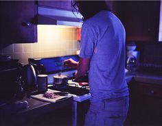 Kitchen Night: Blues, Deeper Shadows, Less Sources of Light, Metallic Surfaces, Fluorescents/LED