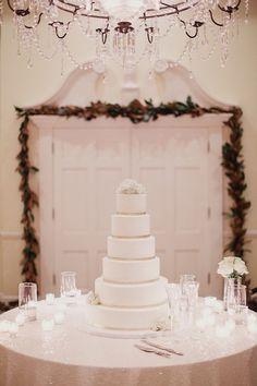 A Beautiful White and Gold Dallas Wedding - MODwedding