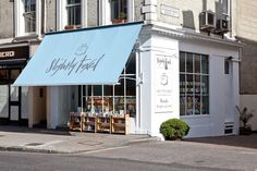 Previously owned and run by Graham Green's nephew, Slightly Foxed is a second hand bookshop near Gloucester Road tube. London Bookstore, Gloucester Road, Cute Store, Building Front, Shop Facade, Cafe Concept, Awning Canopy, Shop Fronts, Shop Around