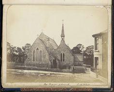 Anonymous | Exterieur van de Petruskerk in Seaview op het Isle of Wight, Anonymous, c. 1860 - c. 1870 | Onderdeel van Engels familiealbum met foto's van personen, reizen, cricket en kunstwerken.