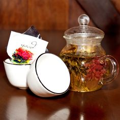Desk Coffee Experience Chinese Tea Cups, Flower Tea, Tea Pots, Meditation, Things To Come, Diy Crafts, Desk, Coffee, Glass