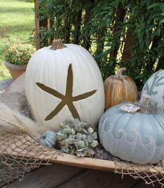 """20 Likes, 1 Comments - Aggie (@eclectic.hydrangea.home) on Instagram: """"Pretty coastal pumpkin ideas❤️Pinterest #classicdecor #blueandwhiteforever #chicdecor…"""""""