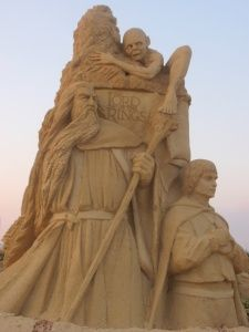 Lord of the Rings sand sculpture, from the Festival of Sand Sculptures in Burgas, Bulgaria, July 2011. (Click on link to see a few more awesome, movie-inspired sand sculptures.)