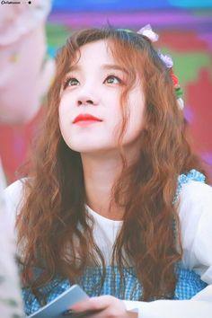 Yuqi Kpop Girl Groups, Korean Girl Groups, Kpop Girls, Extended Play, U Go Girl, Mini E, Fandom Kpop, Soyeon, Girl With Hat