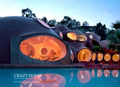Pierre Cardin house - Théoule-sur-Mer. Lovag: the Bubble House (between 1977 and 1984)