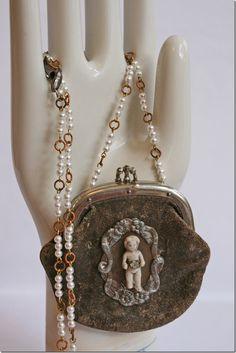 Altered vintage coin purse/frozen Charlotte
