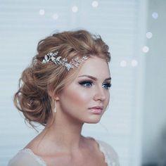cool 34 Totally Inspiring Bridal Wedding Hairstyles Ideas  https://fashioomo.com/2018/04/16/34-totally-inspiring-bridal-wedding-hairstyles-ideas/