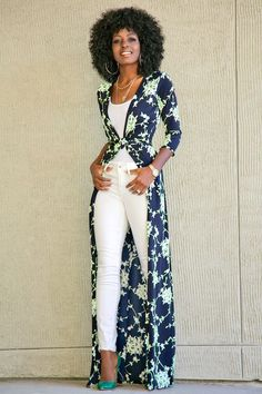 This style always reminds me I love Lucy she wore pieces kinda like this. Wrap Dress (worn as a duster) + White Tank + White Jeans Trend Fashion, Look Fashion, Fashion Outfits, Womens Fashion, Swag Fashion, Feminine Fashion, Ladies Fashion, Spring Summer Fashion, Spring Outfits