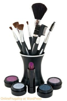 Steps to Clean Your Makeup Brushes