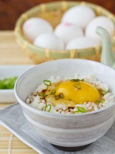 玉子かけご飯 / たまごかけごはん / Tamago-kake Gohan ((pasteurized) Egg Over Rice (in a bowl)). #Japan #food #ryori