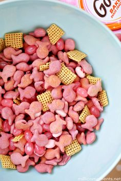 I created this easy princess snack mix in partnership with Goldfish® crackers. All opinions are my own. #GoldfishTales Kaia is a girly girl through and through. When she was born I was in boy mom m…