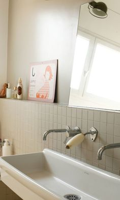 Sonia et Frédéric Lucano, Nina 15 ans, Ange 11 ans, Mona 6 ans – The Socialite Family – Herzlich willkommen Bathroom Niche, Family Bathroom, Bathroom Kids, Modern Bathroom, Washroom, Design Bathroom, Bad Inspiration, Bathroom Inspiration, Lavabo Vintage