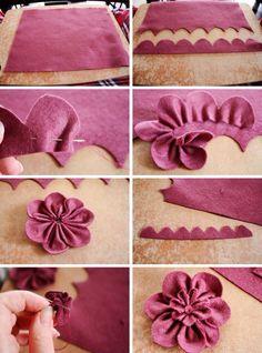 Passo a passo flor de feltro ✂️Veja mais no nosso blog ➡️ www.artecomquiane.com  #artesanato #diy #handmade #homemade #almofada #bomdia #felt #vintage #feltro #pap #pillow #menina #decor #decoração #cor