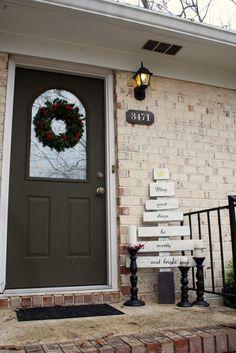 Portico natalizio, Decorazione per veranda and Portici on Pinterest