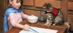 Iris Grace, a little girl with autism, and Thula her sweet therapy cat. Such an important between this little girl with autism and her therapy cat. Autistic Artist, Autistic Children, Crazy Cat Lady, Crazy Cats, Celle Que Vous Croyez, Son Chat, Photo Chat, Artists For Kids, We Are The World
