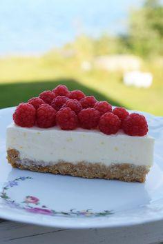 Anna hade gjort en god efterrätt till badtunnefesten. Här delar hon med sig av receptet. Följ gärna Annas instagram där hon pysslar och gör jättefina saker, @mittlillapyssel. Cheesecake 6-8 portioner