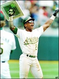 Today in history Aug 1982 Oakland A's Rickey Henderson steals his base of the season and breaks Lou Brock's record set in I was there! Rickey is still the best of all time. Rickey Henderson, Baseball Records, Baseball Players, Pro Baseball, Mlb Players, Softball, Mlb The Show, Sport Icon, American League