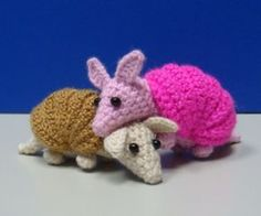 ♡ Free armidilo pattern .. / ravelry link from Flickr.
