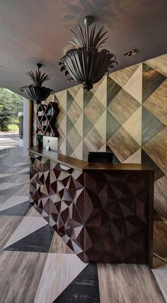 stunning // Pavo Salon, Singapore designed by The Stripe Collective - Great wood work detail made for the reception desk. Hotel Reception, Reception Desks, Reception Furniture, Lobby Furniture, Reception Counter, Reception Areas, Furniture Decor, Work From Home Companies, Luxury Chandelier