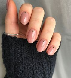 Top 10 Nail Trends to Try in 2019 Stylish nail polish and manicure trends. More from my site Nude neutral nails, mannequin manicure, natural nails. Autumn nails 61 trendy stunning manicure ideas 2019 for short acrylic nails design 6 Nude Nails, Nail Manicure, Pink Nails, Manicure Colors, Nail Polishes, Manicures, Nagel Blog, Nagellack Trends, Minimalist Nails