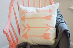 DIY Stenciled Arrow Pillow Tutorial - I wouldn't do the arrows. Diy Throws, Diy Throw Pillows, Burlap Pillows, Accent Pillows, Stenciled Pillows, Decorative Pillows, Arrow Pillow, Sewing Projects, Craft Projects
