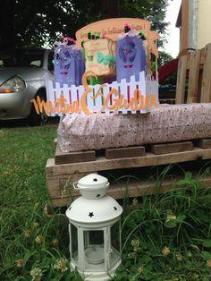 birthday party. regalini per gli invitati alla festa di compleanno di due signorine.  contenitore porta matite,tag su ogni matita...tutto fatto con cartoncino 270gr. ,colori, glitter e la mia silhouette
