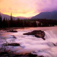 Waterfalls photos and videos